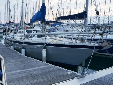 Petit Prince 125 - Docked