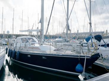 AYC Yachtbroker - Trintella 44 Aluminium - At pontoon