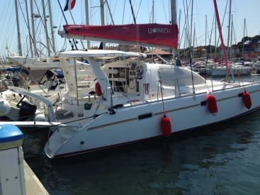LEOPARD 40  AYC International Yachtbrokers