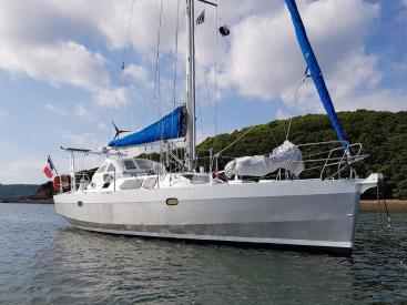 Atlantis 370 - Anchored