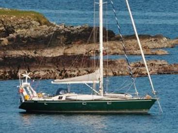 Alumarine 55 - At mooring