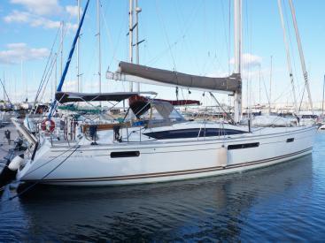 Jeanneau 53 - Docked