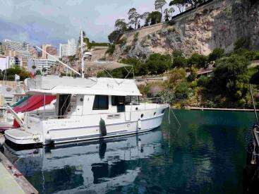 AYC - Swift Trawler 44 by Beneteau