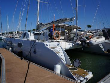 Catamaran 51' - Docked