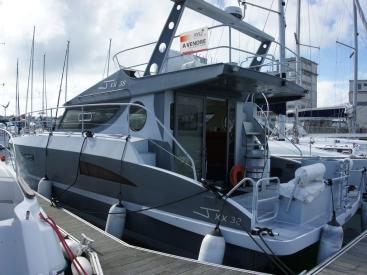 JXX 38' - Docked