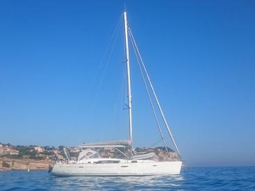 Oceanis 50 - Anchored