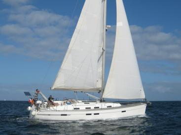 Bavaria 45 Cruiser - Sailing