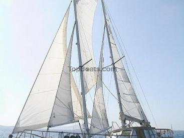 AYC - SUN ODYSSEY 42 DS - sous voiles