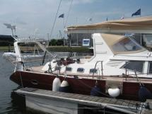 Garcia Salt 57 - Aft arch and dinghy under the davits