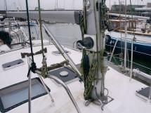OVNI 455 - Mast step and granny bars