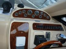 MERIDIAN 411 Sedan - Inside steering position