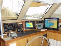 ALUMINIUM CUTTER 53' - Inside steering station