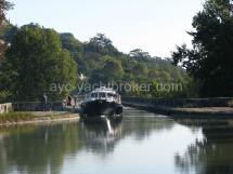 On the tree-lined Canal ( Canal du Midi )