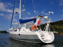 Atlantis 370 - Aft scoop and swivelling arch (tender lift)