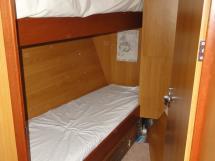 ALUMINIUM CUTTER 53' - Forward bunk beds cabin