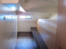 AYC Yachtbroker - Local technique aménager en cabine