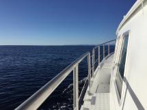 AYC Yachtbrokers - Trawler Meta King Atlantique - Port catwalk