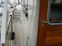 Searocco 1500 Trawler - Port walkway