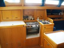 OVNI 395 - Port side galley