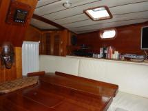 AYC Yachtbroker - Nemophys 50 - Saloon