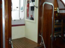 AYC Yachtbroker - Nemophys 50 - Companionway