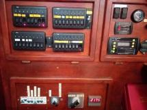Meta JPB 47 - At the chart table, electric panel