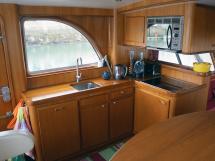 Searocco 1500 Trawler - Galley