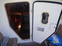 AYC - Akela 50 / Cockpit door