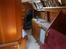 AYC - Akela 50 / Saloon & galley