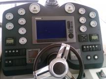 AYC - FLYER GT 44 / Helm station