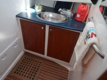 AYC - Trawler fifty 38 / Front port bathroom