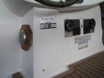 AYC - Lavezzi 40 /Cockpit helm station