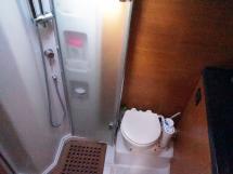 AYC Yachtbroker - GRAND SOLEIL 54 - forward bathroom