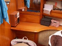 AYC Yachtbroker - Dressing table in the forecabin