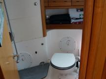 AYC Yachtbroker - Aft starboard bathroom (used only as a separate toilet room)