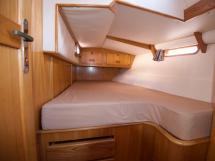 OVNI 47 - Aft port cabin