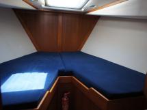 AYC Yachtbrokers - Trawler Meta King Atlantique - Forward cabin