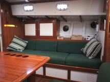 AYC Yachtbrokers - Tocade 50 - Starboard seats / shift berth