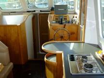 AYC Yachtbroker - Trawler Meta King Atlantique - Steering position