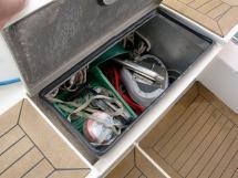 ELLYA 43 - Cockpit locker