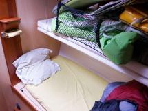 ELLYA 43 - Forward cabin: bunk beds on port side