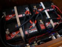 Meta Trawler 33 - Home batteries
