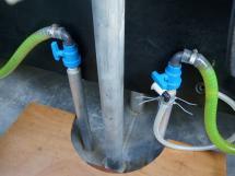 Meta Trawler 33 - Sea water intakes on welded tubes (up the waterline)