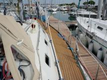 Alliage 44 - Starboard catwalk