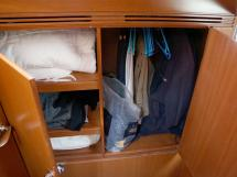 Alliage 44 - Wardrobe in the starboard aft stateroom