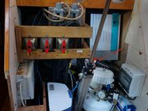 SLOOP VATON 78' - Under companionway technical room