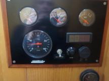 Vaton 54 - Engine control panel