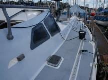 Dalu 47 - Starboard catwalk