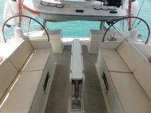 ALUMINIUM CUTTER 53' - Folded cockpit table