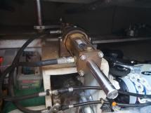 AYC - Trawler fifty 38 / Autopilot hydraulic